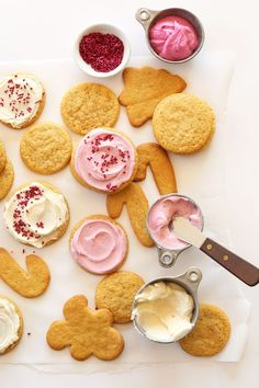 This may be the perfect 1 Bowl Vegan Sugar Cookie recipe! Cut out or scoop the dough into circles, then top with delicious Cake Mate® icing and sprinkles. Easy, tasty, it's a great holiday dessert idea.