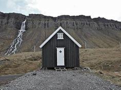 monotone cabin.