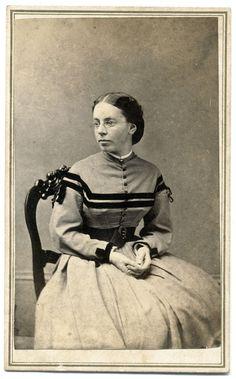 Vintage Photos Women, Victorian Life, Old Portraits, Civil War Dress, Civil War Photos, American Civil War, Female Portrait, Vintage Photography, Historical Photos