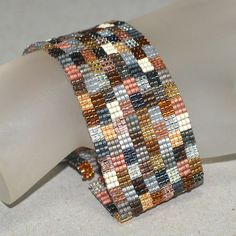f7b535f1f52ef19822faf2106d0c6048--bead-loom-bracelets-peyote-bracelet.jpg 736×736 pixels