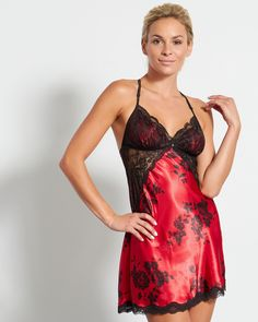 """Satin nightie with lace detailsTriangular cupsAdjustable straps33"""" lengthPolyester(100.00%)"""
