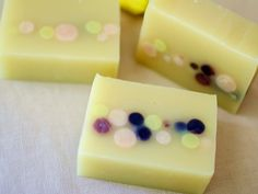 Color of Summer Herbal Soap | Soapworker (taiwan) Chamomile, shiconix and oolong tea infused olive oil, Macadmia nut oil, coconut oil, rice bran oil, palm oil with madder powder and scented with essential oils of ylang ylang and rosemary