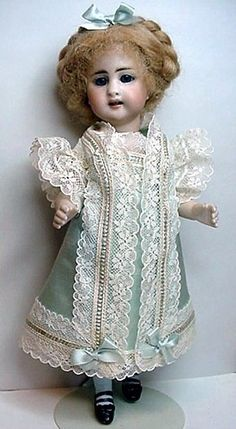 """Mignonnette Dress to fit 8 1/2 to 9"""" All Bisque Doll"""