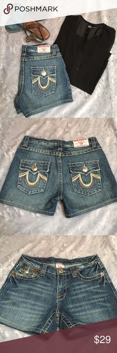 "🍂True Religion🍂 True Religion Joey shorts. Size 25. 7 1/4"" low rise. Inseam 3 1/2"". ❗️No Trades❗️Proceeds go towards feeding the homeless❗️ True Religion Shorts Jean Shorts"