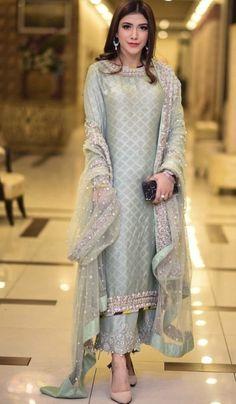 31401f9cb3 Post wedding dinner/ dawat outfit Inspo Pakistani Party Wear, Pakistani  Suits, Indian Suits