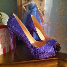 Love these mermaid shoes via @hollymadison