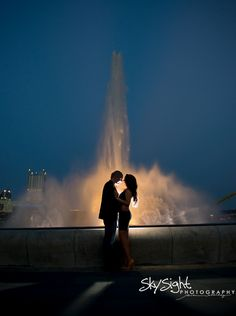 downtown Pittsburgh engagement session , The point fountain | photos by Skysight Photography
