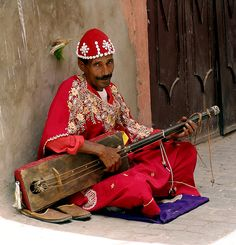 The beautiful music of the street of Marrakech, Morocco!