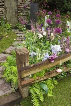 Garden Types, Diy Garden, Dream Garden, Garden Ideas, Shade Garden, Garden Fences, Garden Signs, Garden Crafts, Balcony Garden