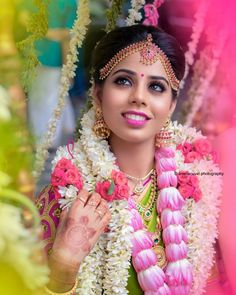Tired of scrolling through a bunch of pages to find that perfect blouse designs? Check out the top most South Indian blouse designs to pair with a kanjeevaram saree- Eventila South Indian Blouse Designs, Blouse Neck Designs, Indian Look, South Indian Bride, Saree Wedding, Bridal Makeup, Indian Beauty, Wedding Hairstyle, Jewels