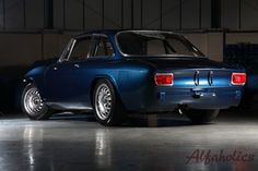 Alfaholics GTA-R build 1009 - a color much like this, only with a little grey thrown in