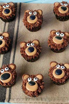Bear Cupcakes - with Royal Icing Transfers - DIYCarinchen - DIY Ideen: Basteln, . - Bear Cupcakes – with Royal Icing Transfers – DIYCarinchen – DIY Ideen: Basteln, Geschenke, De - Masha Et Mishka, Cupcakes Bonitos, Beer Cupcakes, Owl Cupcakes, Teddy Bear Cupcakes, Easy Animal Cupcakes, Cupcakes Design, Spring Cupcakes, Monster Cupcakes