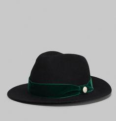Chapeau de type Fedora en feutre de laine noir, bandeau de velours vert sapin…