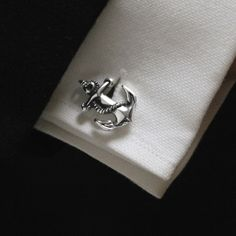 Oh yes, someone get me a pair of anchor cufflinks next year. :)