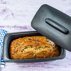 Spicy beer bread with crispy crust Tupperware- Würziges Bierbrot mit krosser Kruste Spicy Recipes, Mexican Food Recipes, Bread Recipes, Crockpot Recipes, Vegetarian Recipes, Dessert Recipes, Desserts, Pizza Recipes, Egg Recipes