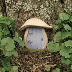 Recycle Reuse Renew Mother Earth Projects: How to make Yule Fairy Doors Fairy Land, Fairy Tales, Blue Fairy, Fairy Furniture, Miniature Furniture, Gnome House, Gnome Door, Nature Aesthetic, Fairy Doors