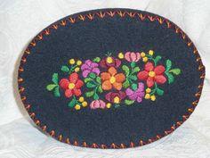 Handmade Vintage Tulipan Hungarian Matyo Region Embroidered Oval Felt Box