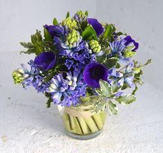 Ramo de jacintos y anémonas // Hyacinth and anemone bouquet by Blumenaria