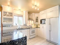 Constrate ! Kitchen Cabinets, Design, Home Decor, Decoration Home, Room Decor, Kitchen Cupboards, Interior Design, Design Comics, Home Interiors