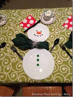 A Cute Snowman place setting for Christmas! Notice all the details? photo only