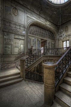 Abandoned Mansion For Sale, Old Abandoned Buildings, Abandoned Castles, Old Buildings, Abandoned Places, Architecture Old, Beautiful Architecture, Beautiful Buildings, Beautiful Homes