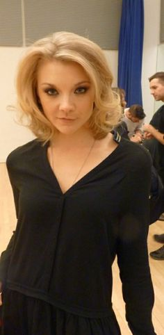 Natalie Dormer hair - loving this color & flirty style.