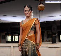 Traditional Dresses of South Asia Beautiful Girl In India, Most Beautiful Indian Actress, Beautiful Girl Image, Beautiful Saree, Indian Actress Pics, Bollywood Actress Hot Photos, Kerala Bride, South Indian Bride, Half Saree Designs