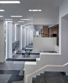 Imagem 11 de 24 da galeria de UOL Edge Gallery / Ministry of Design. © CI&A Photography – Edward Hendricks Carlo Scarpa, Commercial Design, Commercial Interiors, Flat Interior, Interior Design, Minimal Home, Zaha Hadid Architects, Space Architecture, Design 24