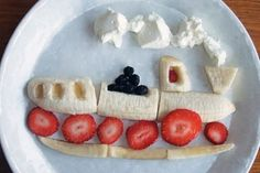 Love the idea of making some fun food art to help kids get interested in what's… Cute Snacks, Cute Food, Good Food, Yummy Food, Fruit Snacks, Kid Snacks, Kid Lunches, Lunch Snacks, School Lunches