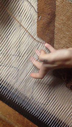 """Este es """"Two color weaving"""" de erin m riley en Vimeo; el punto de encuentro entre los videos de alta calidad y sus fanáticos."""