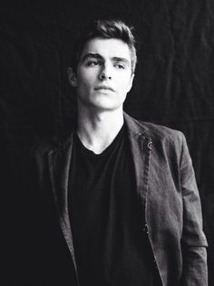 Dave Franco - he's Jewish. I'm Jewish. Both our Jewish mothers would be happy, let's get married ;)