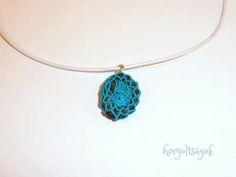 Horgoltságok, egyedi horgolt ékszerek #threadcrochetjewelry #crochetjewelry #crochetcolours #elegantjewelry #jewelrydesign