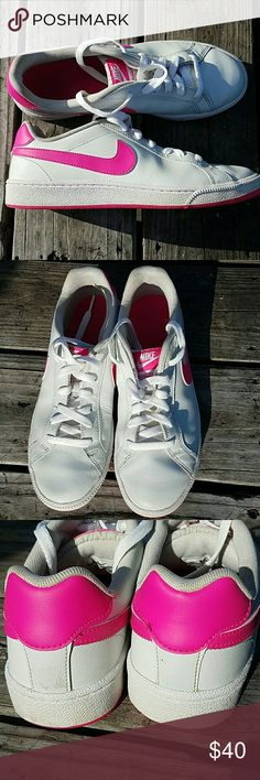 Nike pink white tennis shoes casual gym sz 8.5 Excellent preowned Nike Shoes Sneakers
