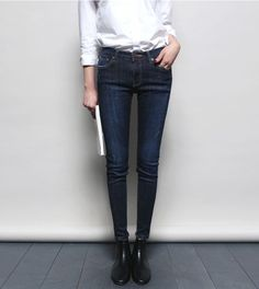 MINIMAL + CLASSIC: denim, white shirt, black boots