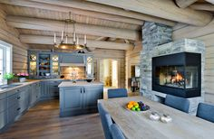 Tundra – 190 kvm - Drømmehytta AS Ski Chalet Decor, Cabins In The Woods, Kitchenette, House Rooms, Log Homes, Kitchen Dining, Sweet Home, House Design, Shabby