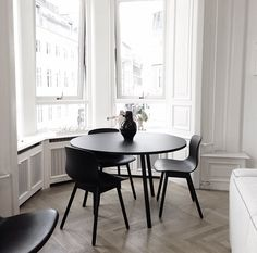 TABLE + chair HAY http://decdesignecasa.blogspot.it