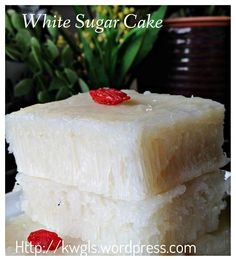 The Third Honeycomb Structure Asian Cake– White Sugar Sponge Cake or Pak Thong Ko (白糖糕) - Guai Shu Shu Sponge Cake Recipes, Cake Mix Recipes, Dessert Recipes, White Sponge Cake Recipe, Steamed Rice Cake, Rice Cakes, Chinese Cake, Chinese Food, Asian Desserts