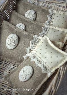 L'eleganza della lavanda. (lavender sachet pockets) love them...