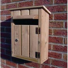 Houten brievenbus PLUTO