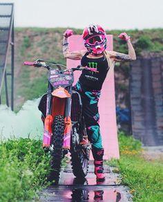Atv Motocross, Motocross Love, Motocross Girls, Lady Biker, Biker Girl, Dirt Bike Girl, Pit Bike, Riding Gear, Fox Racing