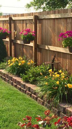 Front Yard Patio, Backyard Walkway, Backyard Privacy, Backyard Patio Designs, Front Yards, Porch, Backyard Ideas For Small Yards, Garden Yard Ideas, Small Backyard Landscaping
