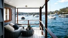 Nestled in Mosman's Pearl Bay in Sydney, this houseboat is a floating haven in the Harbour. Restored and redesigned by Infinite Design Studio, the holiday retreat is now the perfect getaway and entertaining space for its owners. Sustainable Architecture, Architecture Design, Residential Architecture, Contemporary Architecture, Floating Architecture, Rustic Design, Modern Design, Luxury Houseboats, Houseboat Living