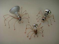 34 Beautiful DIY Ways to Upcycle Lightbulbs Light Bulb Art, Light Bulb Crafts, Recycled Light Bulbs, Recycled Art, Wire Crafts, Diy And Crafts, Suculentas Diy, Recycling, Creation Deco