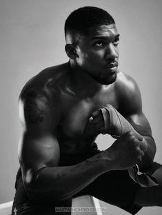 El boxeador profesional Anthony Joshua es protagonista de la edición de diciembre de Men's Health UK