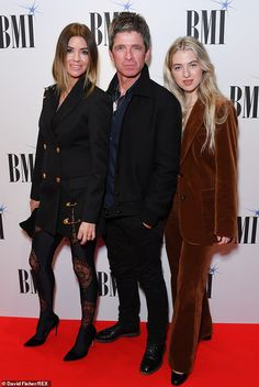 Anaïs Gallagher and step-mum Sara MacDonald support Noel Gallagher at the star-studded BMI Awards Anais Gallagher, Noel Gallagher, Step Mum, Rocker Look, Tiny Waist, Celebrity Kids, Family Matters, Girl Group, Awards