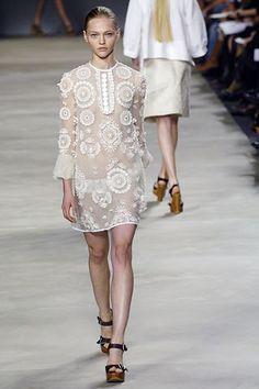 Chloé Spring 2006 Ready-to-Wear Fashion Show - Sasha Pivovarova