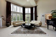 Perserteppiche sind nach wie vor echte Hingucker in einem klassischen Wohnzimmer