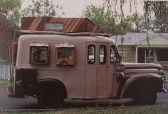 https://flic.kr/p/7yuyn4   Rolling Homes: Handmade Houses on Wheels   by Jane Lidz 1979