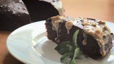 Kakaovo-kokosový koláč s krémom z arašidového masla - ceztrenera.skceztrenera.sk