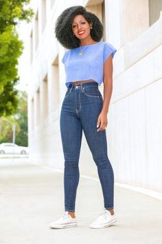 Chambray Crop Top + Levi's High Waist Jeans – StylePantry Crop Top Outfits, Jean Outfits, Summer Outfits, Girl Outfits, Fashion Outfits, Crop Top With Jeans, Crop Top Shirts, Classy Outfits, Stylish Outfits